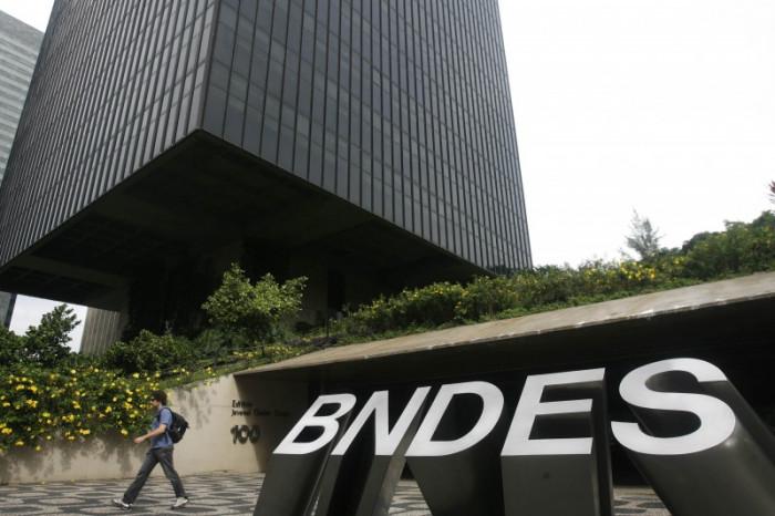 Imagem:Antecipação de pagamentos pelo BNDES prejudica retomada do desenvolvimento