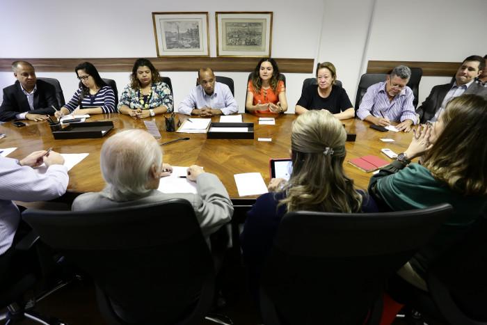 Imagem:Financiários entregam minuta de reivindicações à Fenacrefi
