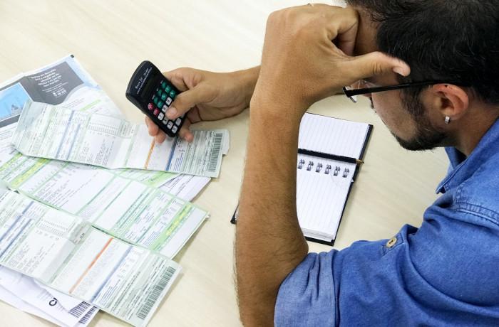 Imagem:Com Temer, famílias fazem empréstimos até para pagar contas do dia a dia