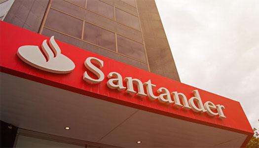 Imagem:Sindicatos protestam contra abertura de agências do Santander aos finais de semana