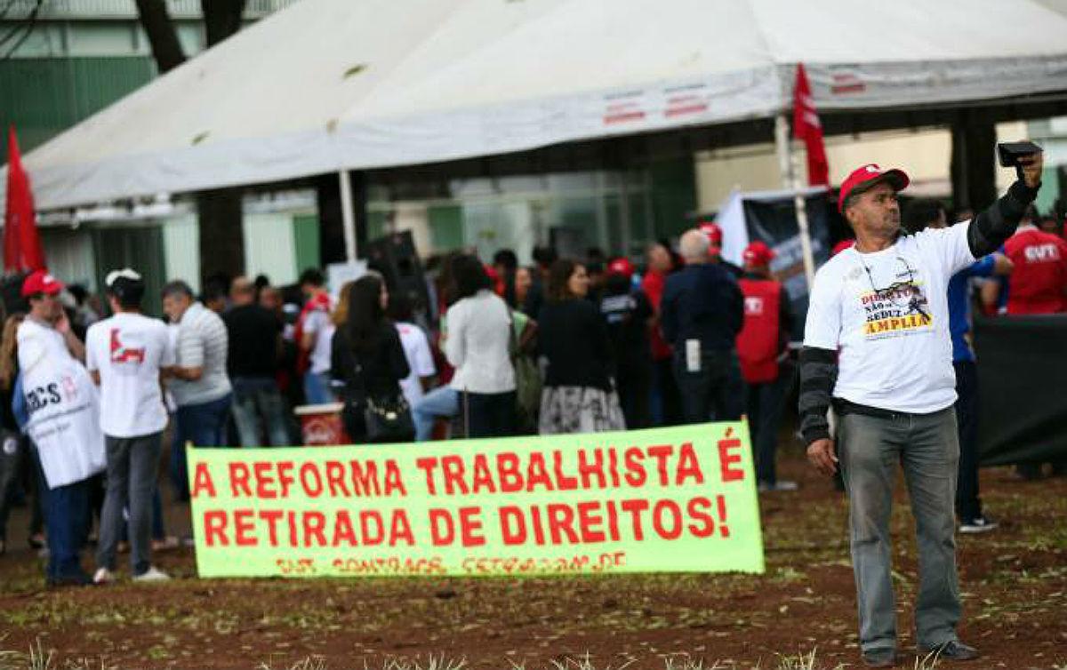 Imagem:Com nova 'reforma' trabalhista, Bolsonaro quer anular atuação sindical