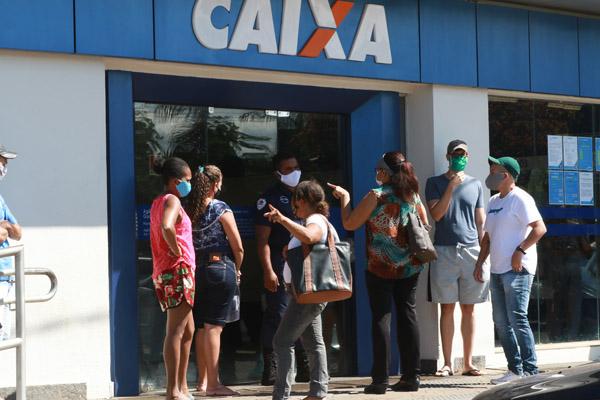 Imagem:Auxílio emergencial: entidades cobram mais proteção aos empregados da Caixa e à população no pagamento das novas parcelas