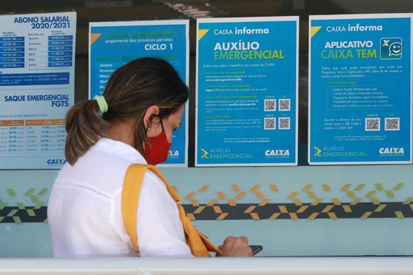 Imagem:Caixa cumpre seu papel social e efetua pagamento de auxílio a mais de 300 milhões de brasileiros