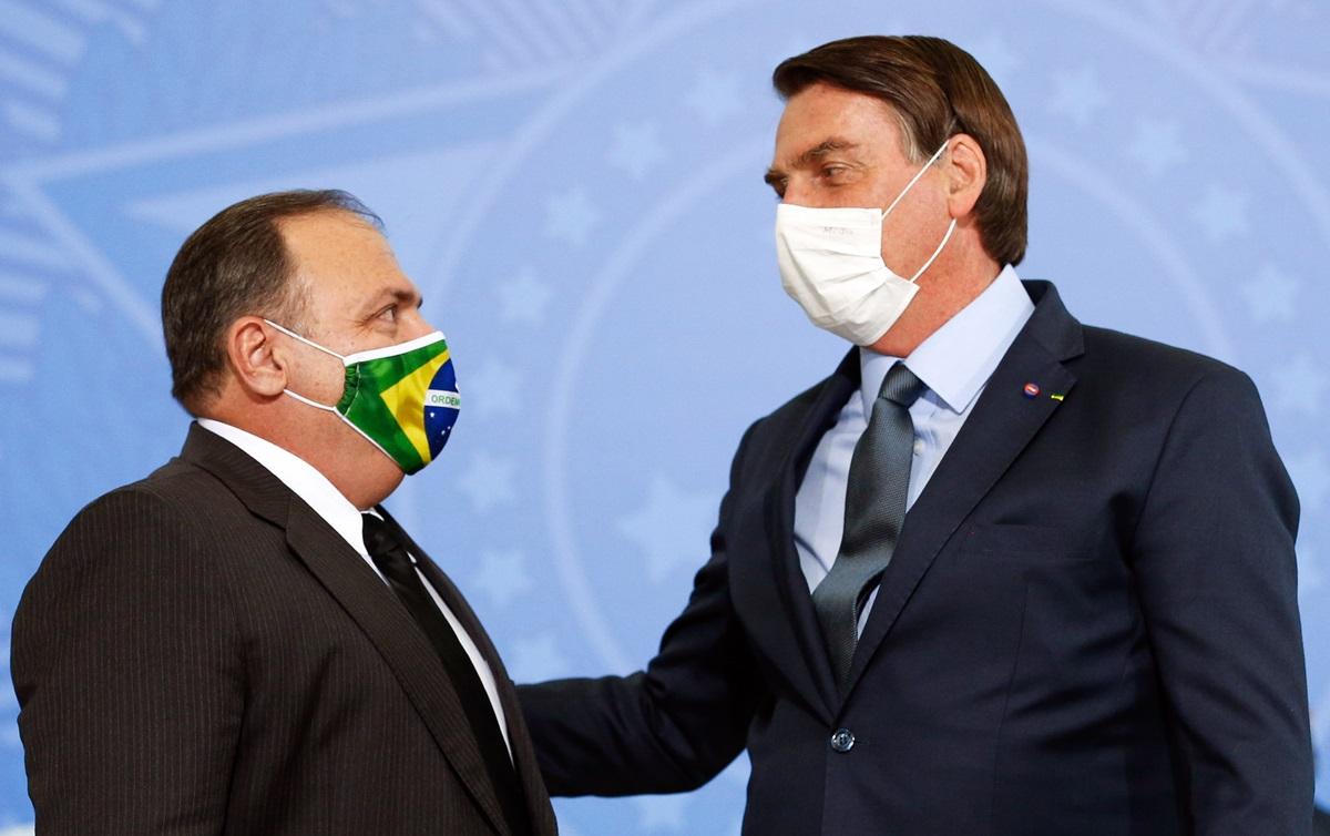 Imagem:Bolsonaro proíbe compra de vacina e acusa ministro de traidor