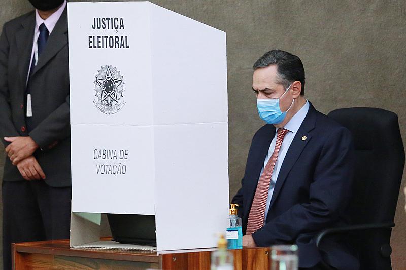 Imagem:Por que a urna eletrônica é melhor que o voto em papel defendido por Bolsonaro?