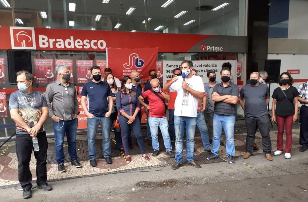 Imagem:Bancárias e bancários mantêm mobilizações contra as demissões no Bradesco
