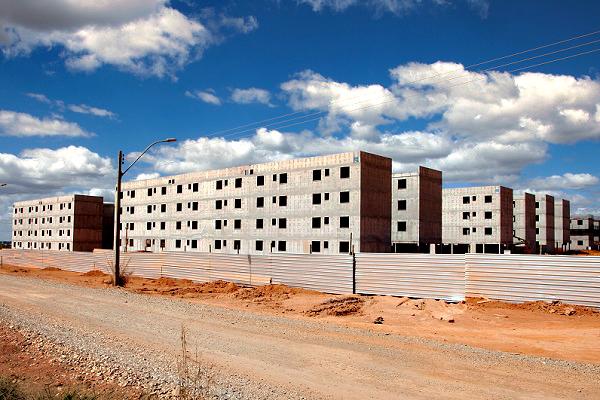 Imagem:Governo planeja remanejar R$ 5,5 bilhões do FGTS para financiar Casa Verde e Amarela